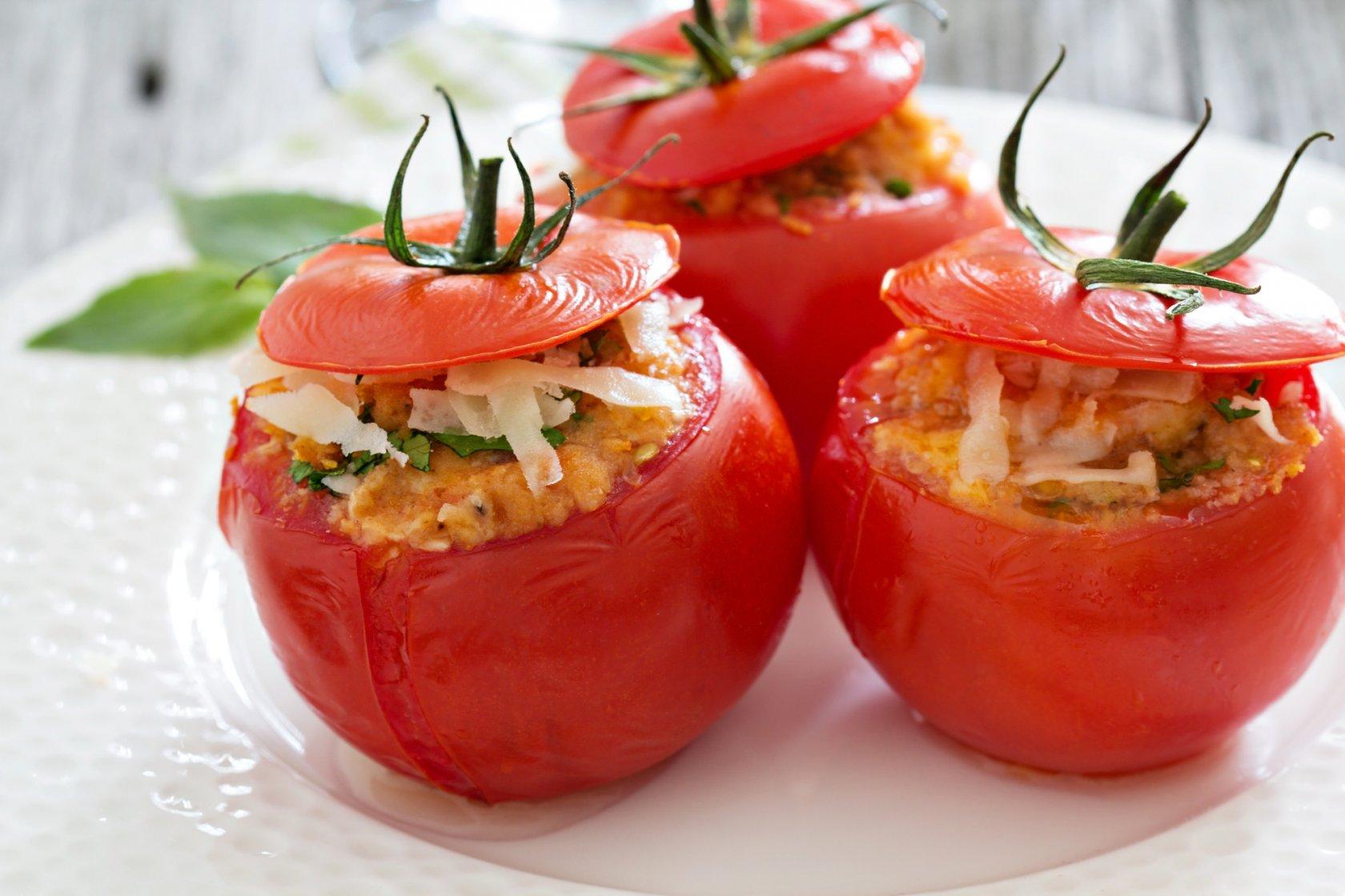 Помидоры с ветчиной и сыром в духовке рецепт